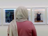 Mwy o wybodaeth: Ffotoview artist Ayesha Khan on ITV Wales