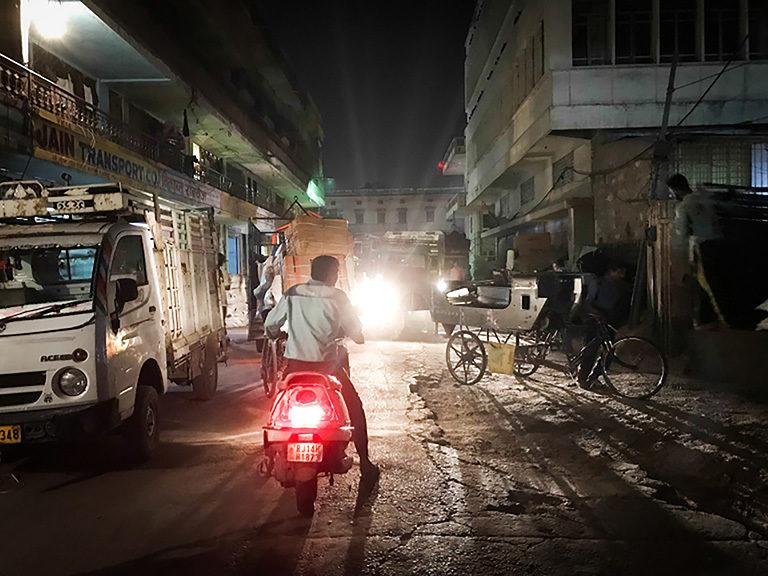 Mwy o wybodaeth: Jaipur 2018 - Huw Alden Davies