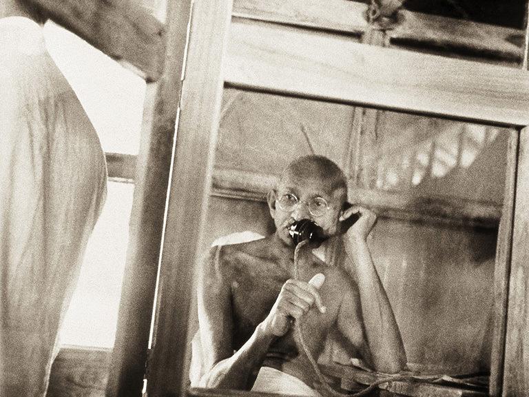 Mwy o wybodaeth: Kanu's Gandhi
